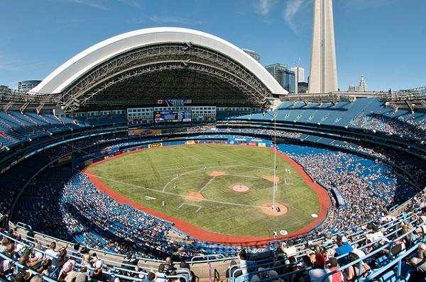 Roger center nơi gặp các vận động viên nổi tiếng bóng chày canada
