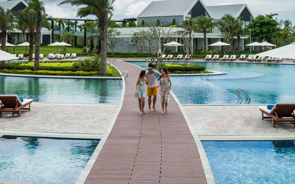 Hồ bơi Khu nghỉ dưỡng Radisson Blu Phú Quốc