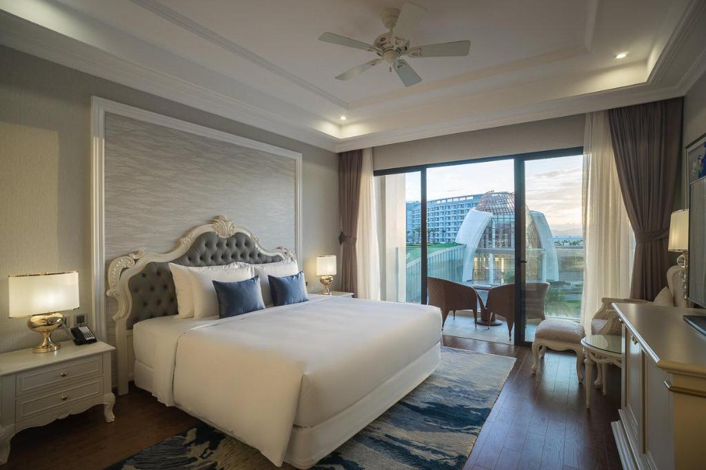 Phòng deluxe Khu nghỉ dưỡng Radisson Blu Phú Quốc